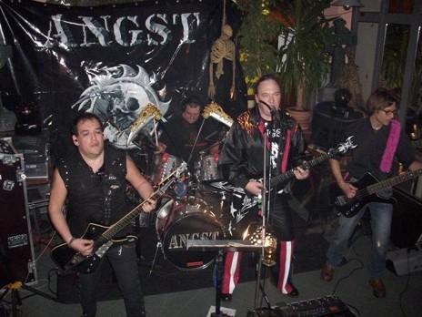 ANGST rockt live